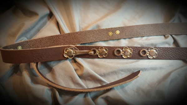 Plum blossom leather belt